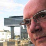 """Lust auf prominenten Schriftsteller-Besuch? Der Luxemburger Autor und Moderator Guy Helminger kommt im Rahmen des Projekts """"Hausbesuche"""" vom 16. bis 18. September nach Freiburg."""