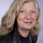 Im Autorenporträt: Sibylle Zimmermann - schreibt niemals am Schreibtisch und träumt oft von ihren Geschichten.