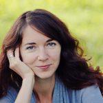 Iris Wolff im Autorenporträt. Sie versucht, Pausen zu vermeiden und hört an einer guten Stelle auf.