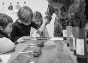 Buchkinder-Werkstatt: Vom goldenen Vogel und Mondgesichtern @ Literaturhaus