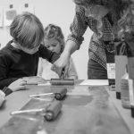 Buchkinder-Werkstatt: Vom goldenen Vogel und Mondgesichtern. Lilo Fromms Illustrationen als Ideengeberin für ein eigenes Buch.